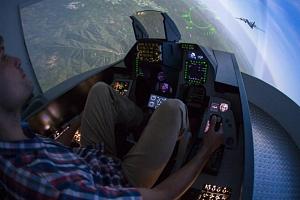 Letecký simulátor stíhačky F16...