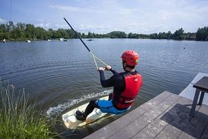 Wakeboarding - prkno na vodě...