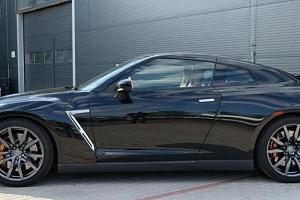 Jízda v supersportu Nissan GT-R...
