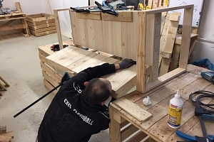 Kurz výroby nábytku z palet - workshop...