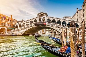 Valentýnský zájezd do Benátek a Verony s ubytováním a sektem...