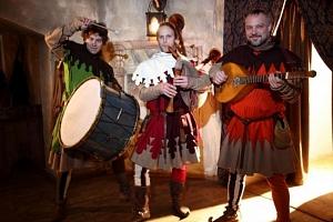 Hostina ve středověké krčmě...