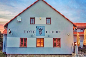 Jižní Čechy v hotelu ve Slavonicích s polopenzí + ochutnávka specialit z bizona...