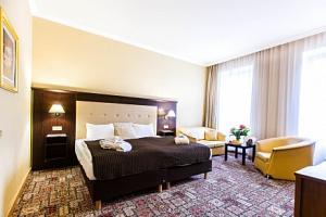 Karlovy Vary: Luxusní Hotel Panorama Spa **** se 3 lázeňskými procedurami a skvělou snídaní...