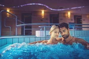 Maďarsko blízko termálů v Büku: Penzion Margaréta Csárda s bazénem, zapůjčením kol a snídaní...