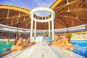 Maďarsko: Bük v Penzionu Aurora jen 550 m od termálů s celodenním vstupem a zapůjčením kol + snídaně...