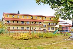 Bílé Karpaty ve 4* hotelu s polopenzí a neomezeným vstupem do wellness...