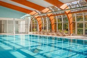 Karlovy Vary: relax v Resortu Sanssouci **** s neomezeným wellness, až 6 procedurami a polopenzí +…...