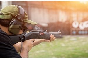 Zážitková střelba pro celou rodinu ze 4 až 16 druhů zbraní včetně nábojů...