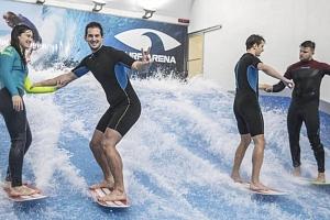 Nauč se surfing na trenažeru vč. instruktáže...