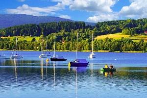 Léto na břehu Lipna s polopenzí a bazénem v Hotelu Swing ***...