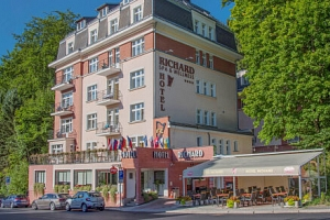 Mariánské Lázně: Hotel Richard **** s neomezeným bazénem, až 4 procedurami, pitnou kúrou a polopenzí...