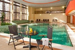 Mariánské Lázně luxusně v Hotelu Excelsior **** s až 16 léčebnými procedurami, neomezeným wellness …...
