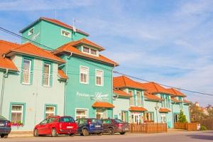 Pobyt na Vysočině blízko Třebíče v Penzionu Lihovar Rouchovany s bazénem, hřištěm, vínem a polopenzí...