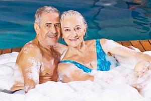 Seniorský pobyt 55+ u Olomouce v Hotelu Akademie ***+ s wellness, trekingovými holemi a polopenzí...