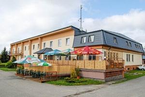 Moravský kras v Hotelu Vrchovina *** s polopenzí, welcome drinkem a vínem + dítě zdarma...