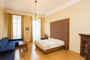 Centrum Prahy ve studiu či apartmánu v Hotelu U Zlaté podkovy *** se speciálním menu + dítě do 9…...