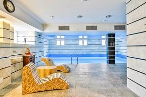 Vratislav v zámeckém Orient Palace Hotelu *** s neomezeným wellness s bazénem a saunou + polopenze...