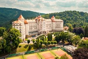 Karlovy Vary: Luxusní Hotel Imperial ***** s neomezeným wellness, 3 procedurami, kávou se zákuskem…...