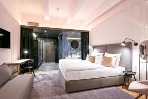 Luxusní pobyt v Praze s výhledem na Václavské náměstí v Pytloun Boutique Hotelu Prague **** s tapas…...