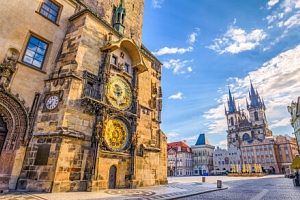 Centrum Prahy v přepychovém Hotelu Republika & Suites ***** s wellness a večeří u Karlova mostu +…...