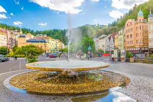 Karlovy Vary exkluzivně v centru: 4* Spa Hotelu IRIS s neomezeným wellness, bazénem, procedurami a…...