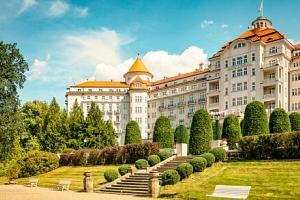 Karlovy Vary se státním voucherem do lázní: Hotel Imperial ***** se snídaní, wellness + 9 procedur…...