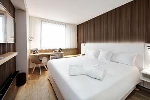 Praha v klidné části nedaleko Vyšehradu v Hotelu Occidental Praha **** s welcome drinkem, snídaněmi…...
