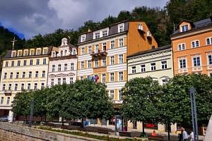 Karlovy Vary blízko kolonád i památek v Hotelu Ostende **** s procedurami a bohatou polopenzí...