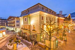 Zell am See u ski areálů v luxusním Hotelu Grüner Baum **** s wellness, polopenzí, proseccem a…...