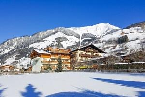 Vysoké Taury: Hotel Sonnhof *** s wellness, polopenzí, koláčem, nápoji a dětmi zdarma + balíček…...