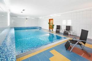 Dovolená u Písku a Strakonic: Penzion Putim s polopenzí a wellness s bazénem, vířivkou a saunou +…...