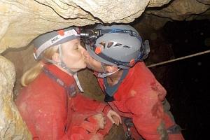 Rande v jeskyni...