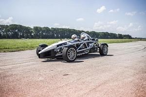 Jízda v Ariel Atom vs. Formule F4 Mygale...