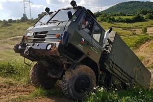 Offroad jízda Tatrou 815 v terénu...