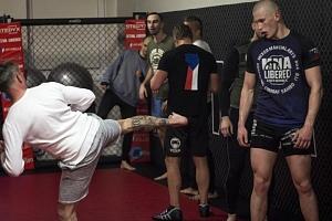 MMA trénink s profi zápasníkem...