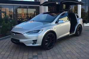 Zážitková jízda elektromobilem Tesla X...