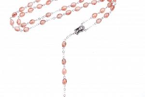 Růženec ze skleněných mačkaných perel v růžovo-bílé voskové barvě....