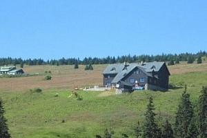 Letní pobyt na chatě Malá Rennerovka. Příjemná atmosféra a domácí prostředí....
