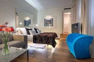 Praha: Malá Strana pod Pražským hradem v luxusním Hotelu Three Storks ***** se snídaněmi formou…...