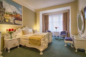 Praha přímo v centru na Vinohradech a blízko památek v Hotelu Taurus **** se snídaní formou bufetu...