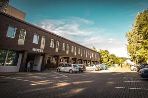Střední Čechy: Hotel Sázavský ostrov *** se vstupenkami na atrakce či zapůjčením člunu a koloběžek …...