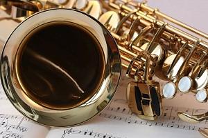 Online kurz hry na saxofon...