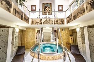 Karlovy Vary: Ozdravný pobyt ve 4* Spa & Wellness Hotelu Karlsbad Grande Madonna s 18 procedurami a…...