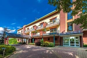 Orlické hory v luxusním April Hotelu Panorama **** s neomezeným wellness (bazén a vířivka) a…...