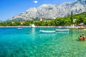 Chorvatsko jen 50 m od pláže ve Vile Čale až pro 3 osoby s komfortní autobusovou dopravou a…...