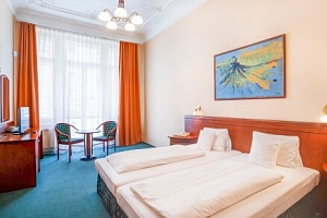 Mariánské Lázně: Hotel Westend **** se snídaní či polopenzí, saunou a až 12 léčebnými procedurami…...