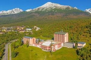 Vysoké Tatry: Pokoj Exclusive v Grand Hotelu Bellevue **** s novým wellness a sportovním vyžitím +…...