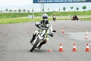 Kurz bezpečné jízdy na motorce...