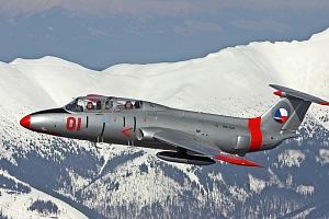 Zážitkový let stíhačkou L-29 Delfín na Slovensku...
